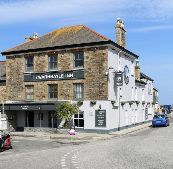 Monday Night quiz at Tywarnhayle Inn, Perranporth